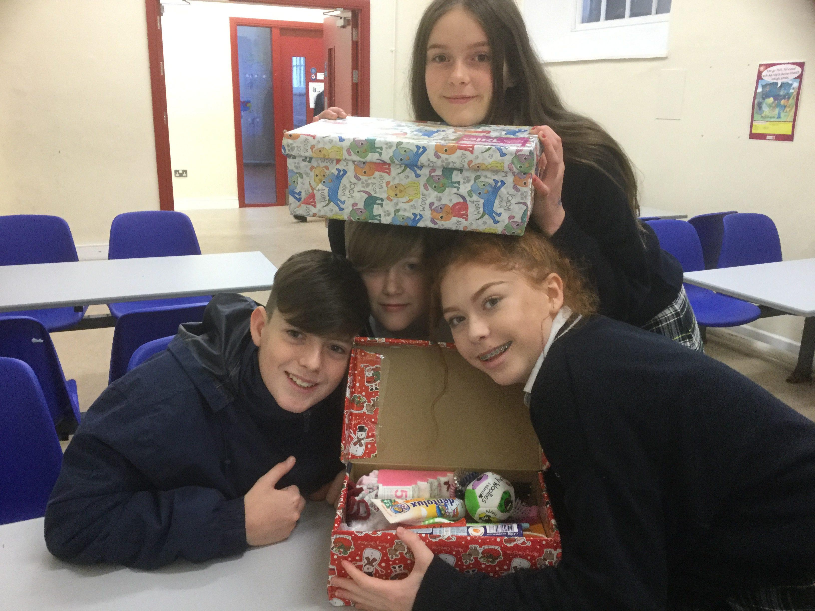 Team Hope Christmas Shoebox Appeal – Feachtas bosca bróg.