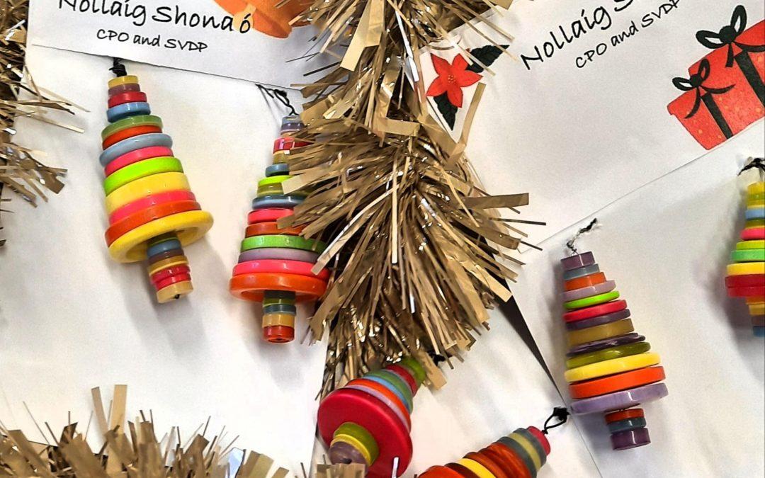 Maisiúcháin Nollag / Christmas Decorations in aid of SVP